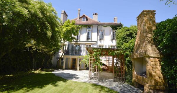 propriete-13-pieces-renovee-cour-interieure-2-caves-a-vendre