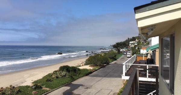beach-house-for-sale-malibu-gated-community-balcony-panoramic-view-ocean