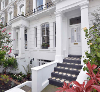 familial-house-for-sale-Kensington-terrace-private-garden-fireplace