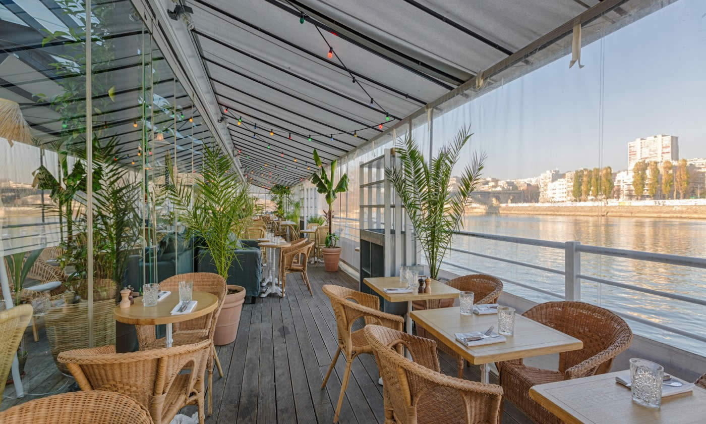 polpo brasserie levallois perret the seafood brewery docked on the banks of the seine. Black Bedroom Furniture Sets. Home Design Ideas