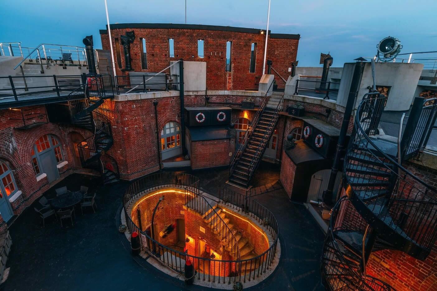 spitbank-fort-hotel-luxe-solent-ancien-gastronomie_4