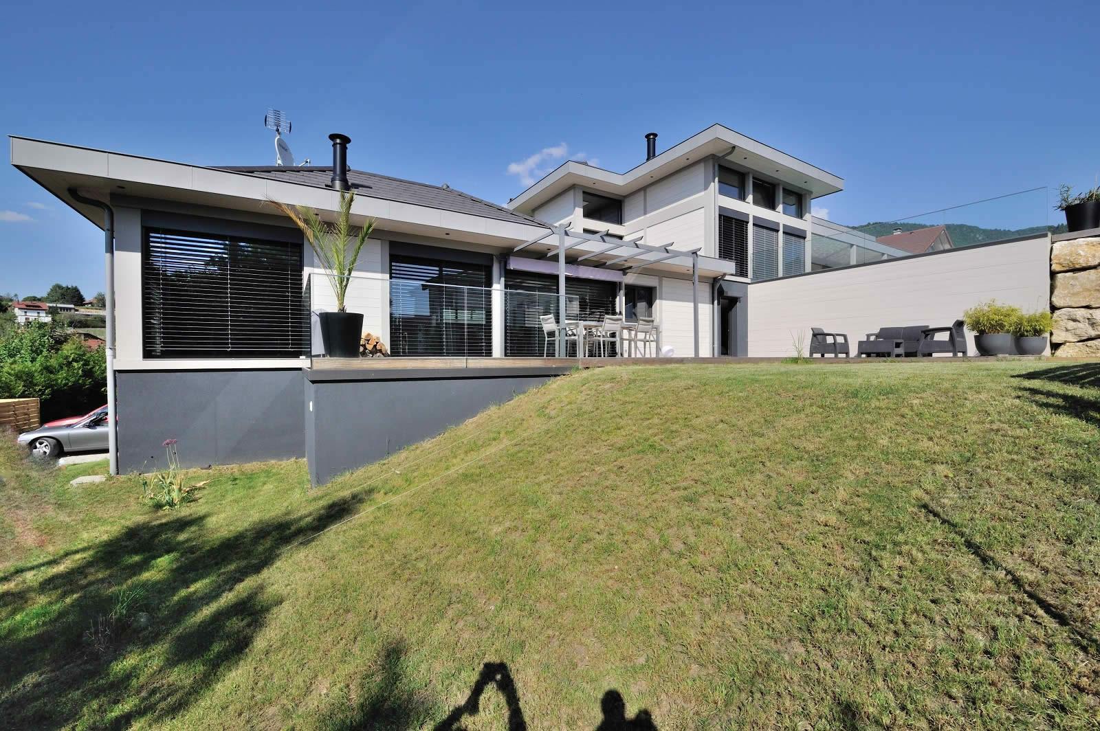 villa-contemporaine-a-vendre-salle-cinema-piscine-4-chambres