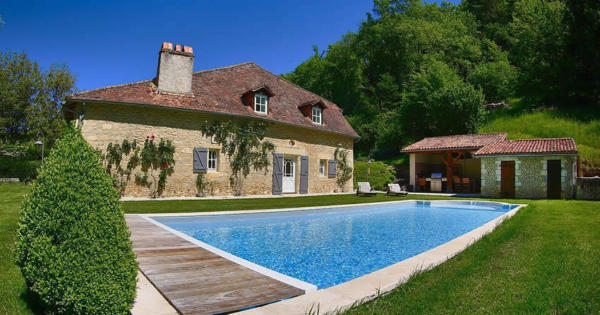 propriete-a-vendre-perigueux-piscine-cheminee-pool-house-parking