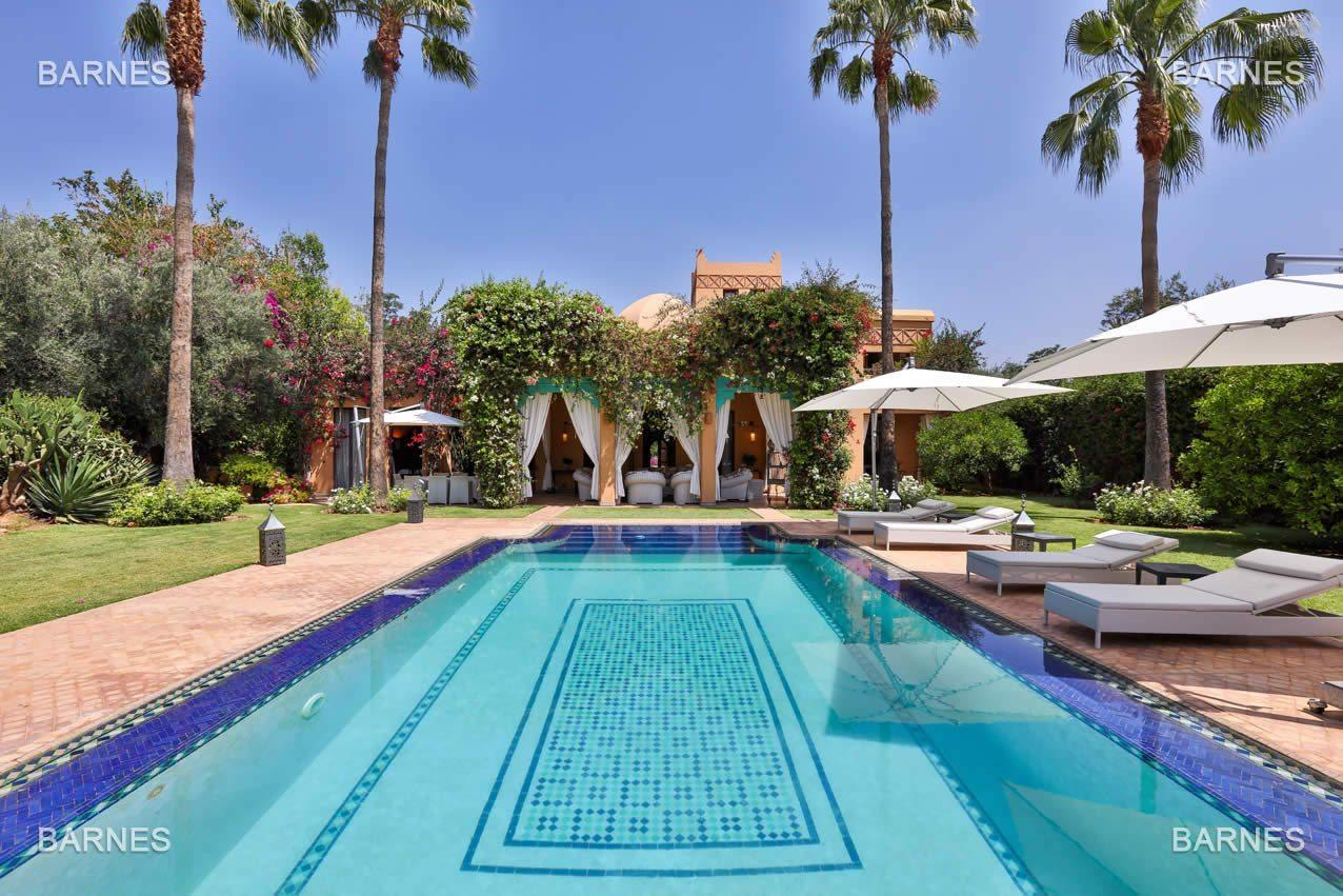 ryad-a-vendre-domaine-prive-golf-almekis-piscine