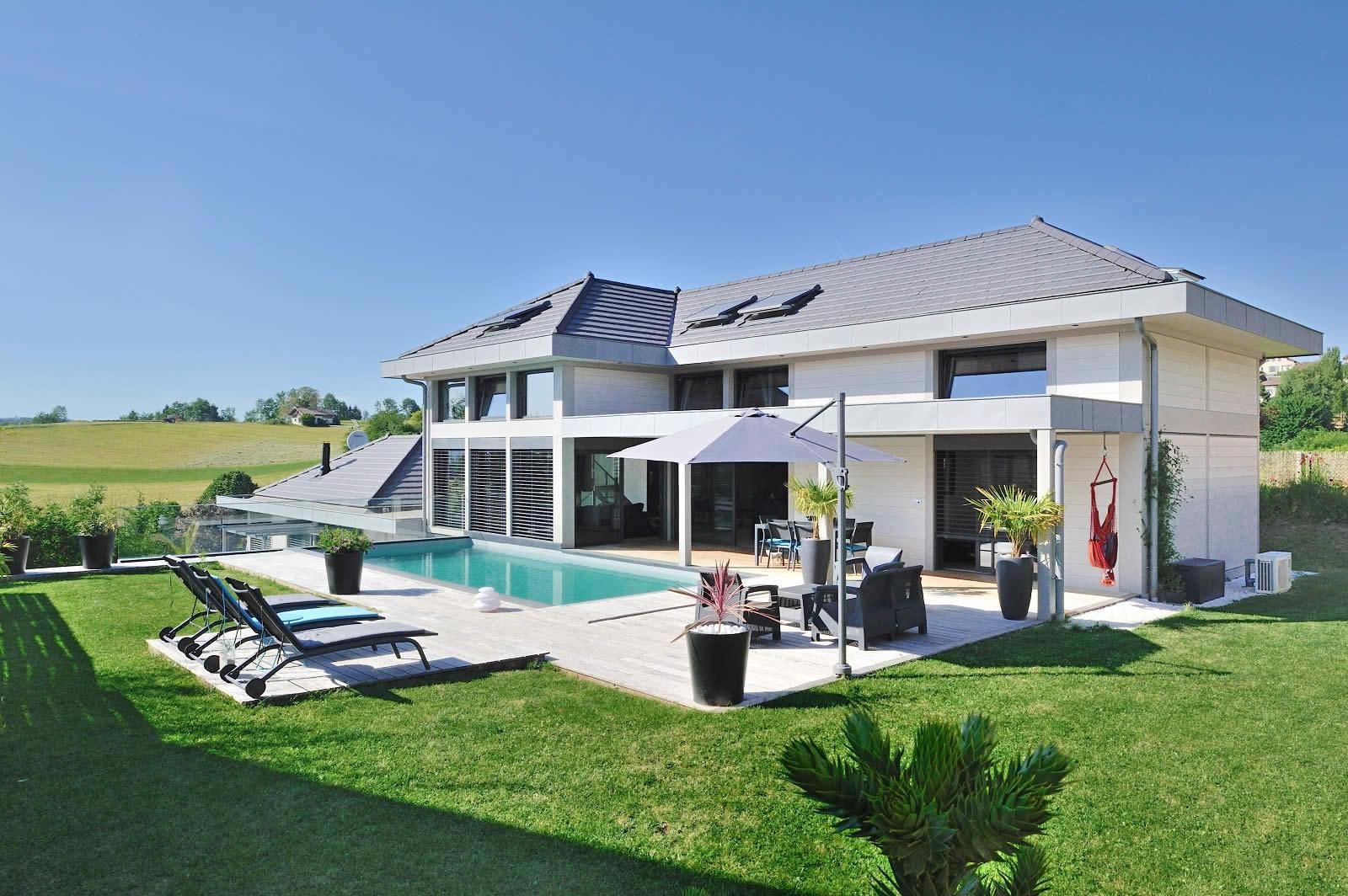 Villa contemporaine a vendre salle cinema piscine 4