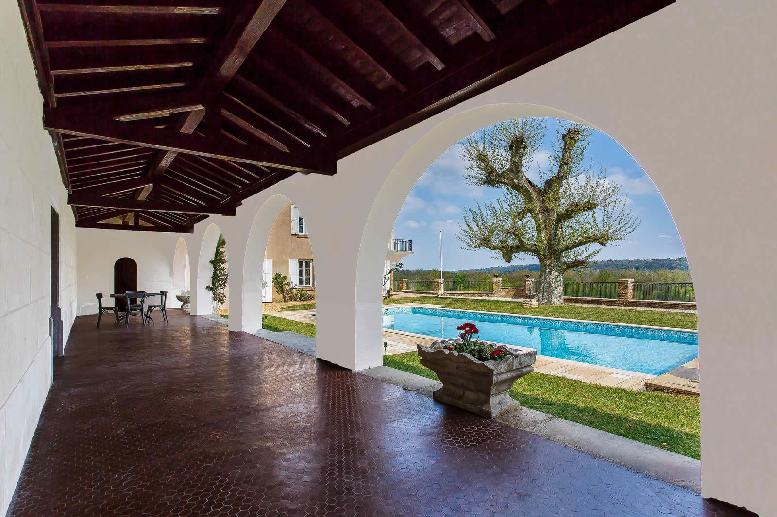 bourgeois house for sale in vernaison: tennis court, swimming pool