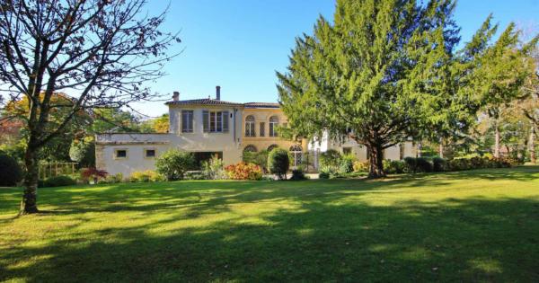 propriete-exceptionnelle-a-vendre-bouliac-parc-cheminees-terrasses-caves