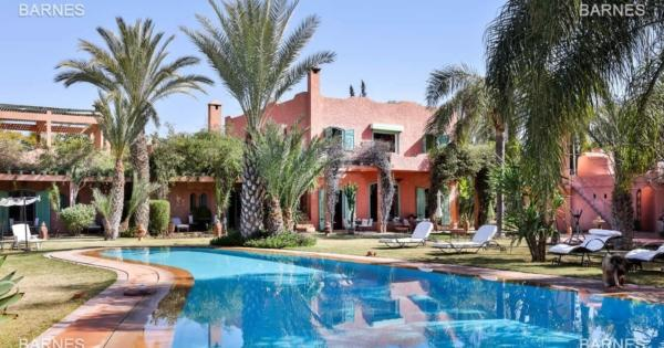 2-luxury-villas-for-sale-infinity-pool-hammam-massage-room-private-solarium
