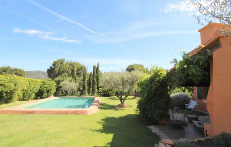 ferme-provencale-jardin-paysager-a-vendre-sanary-sur-mer-dependance-cheminee-piscine-patio-terrassesferme-provencale-jardin-paysager-a-vendre-sanary-sur-mer-dependance-cheminee-piscine-patio-terrasses