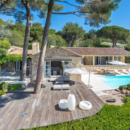 villa-a-vendre-ramatuelle-jardin-paysager-terrasse-vue-mer-panoramique