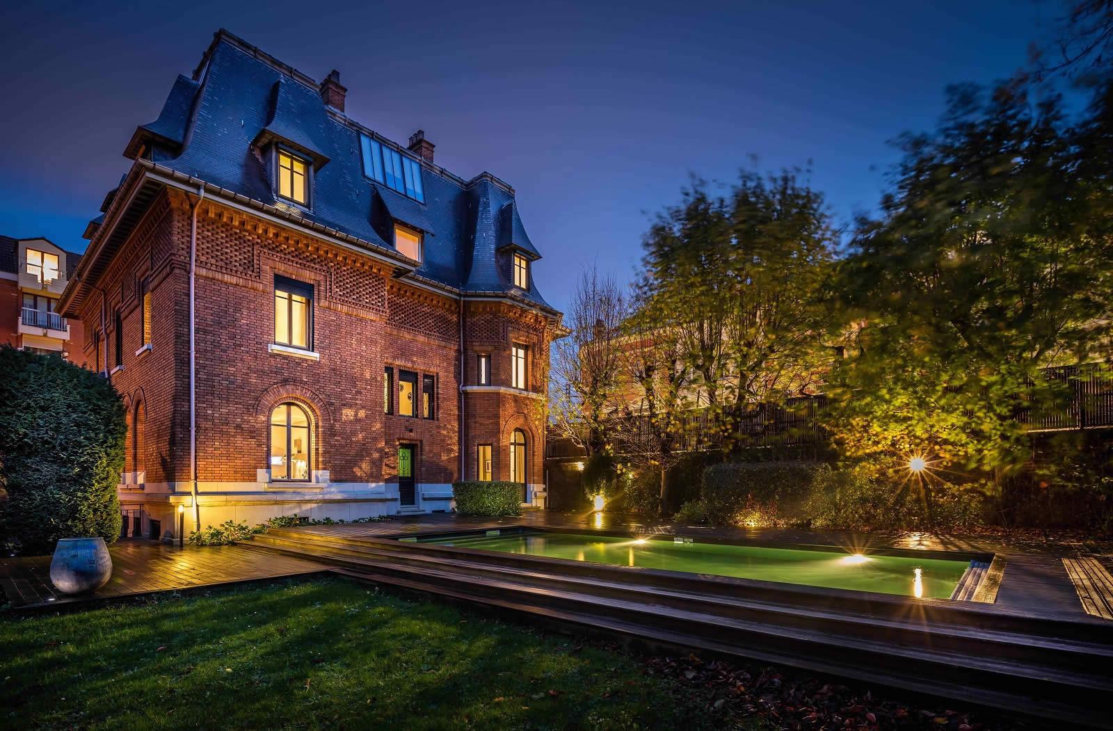 maison-hote-luxe-a-vendre-10-chambres-cheminee-piscine