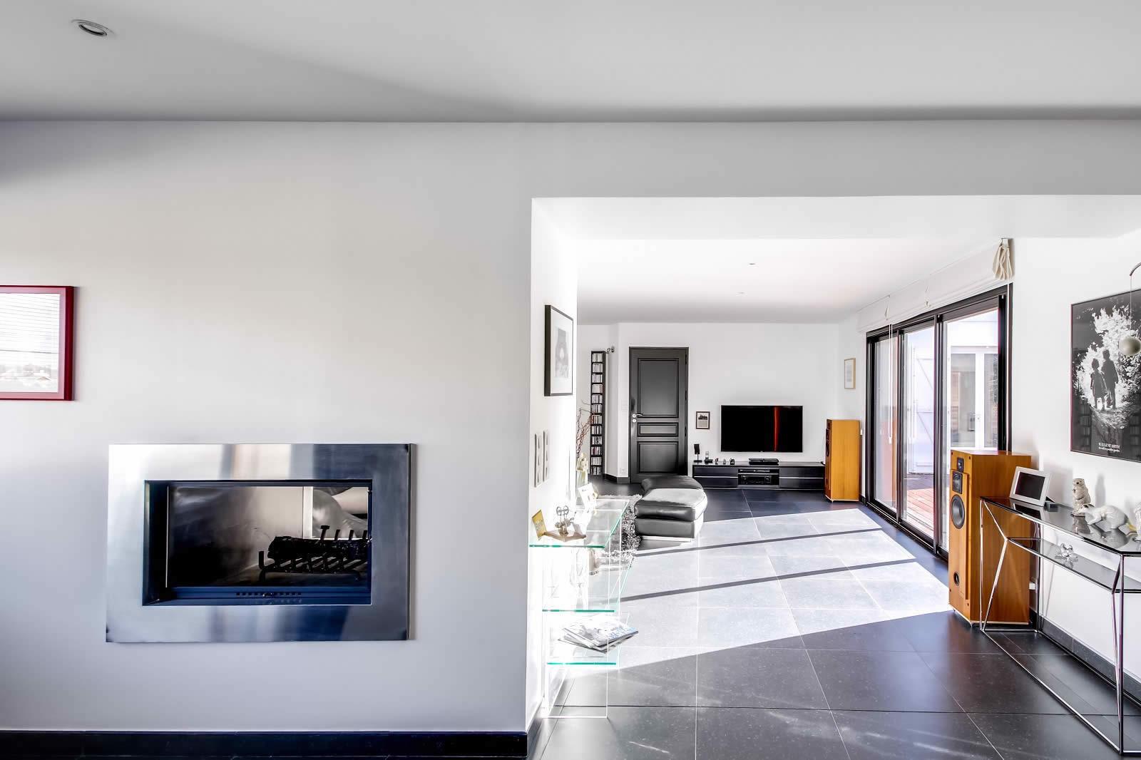 maison-contemporaine-a-vendre-suce-sur-erdre-piscine-terrasse-terrain-garage