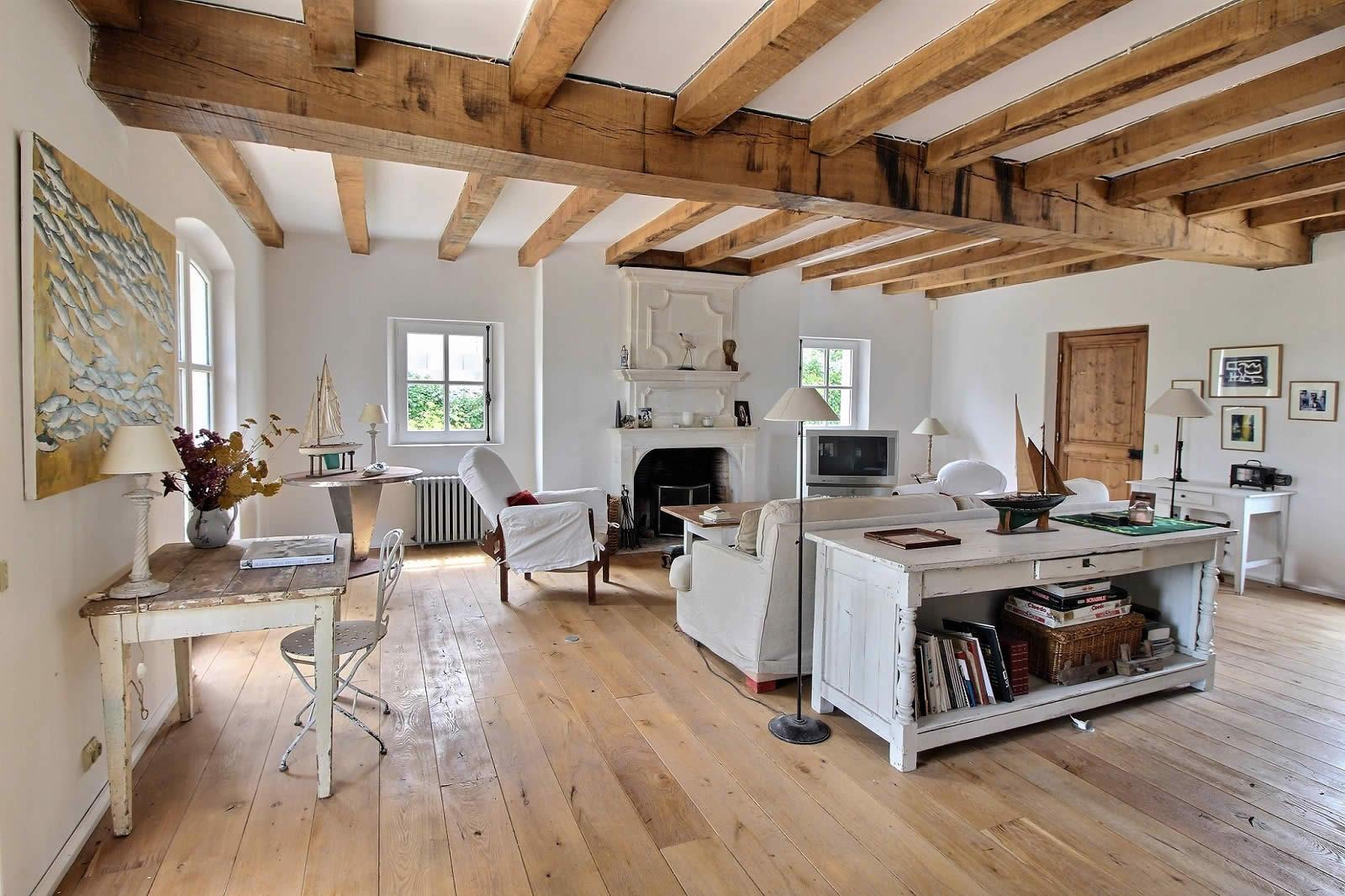 maison vendre l le de r atelier d 39 artiste. Black Bedroom Furniture Sets. Home Design Ideas