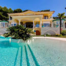 villa-a-vendre-piscine-gymnase-garages-parkings