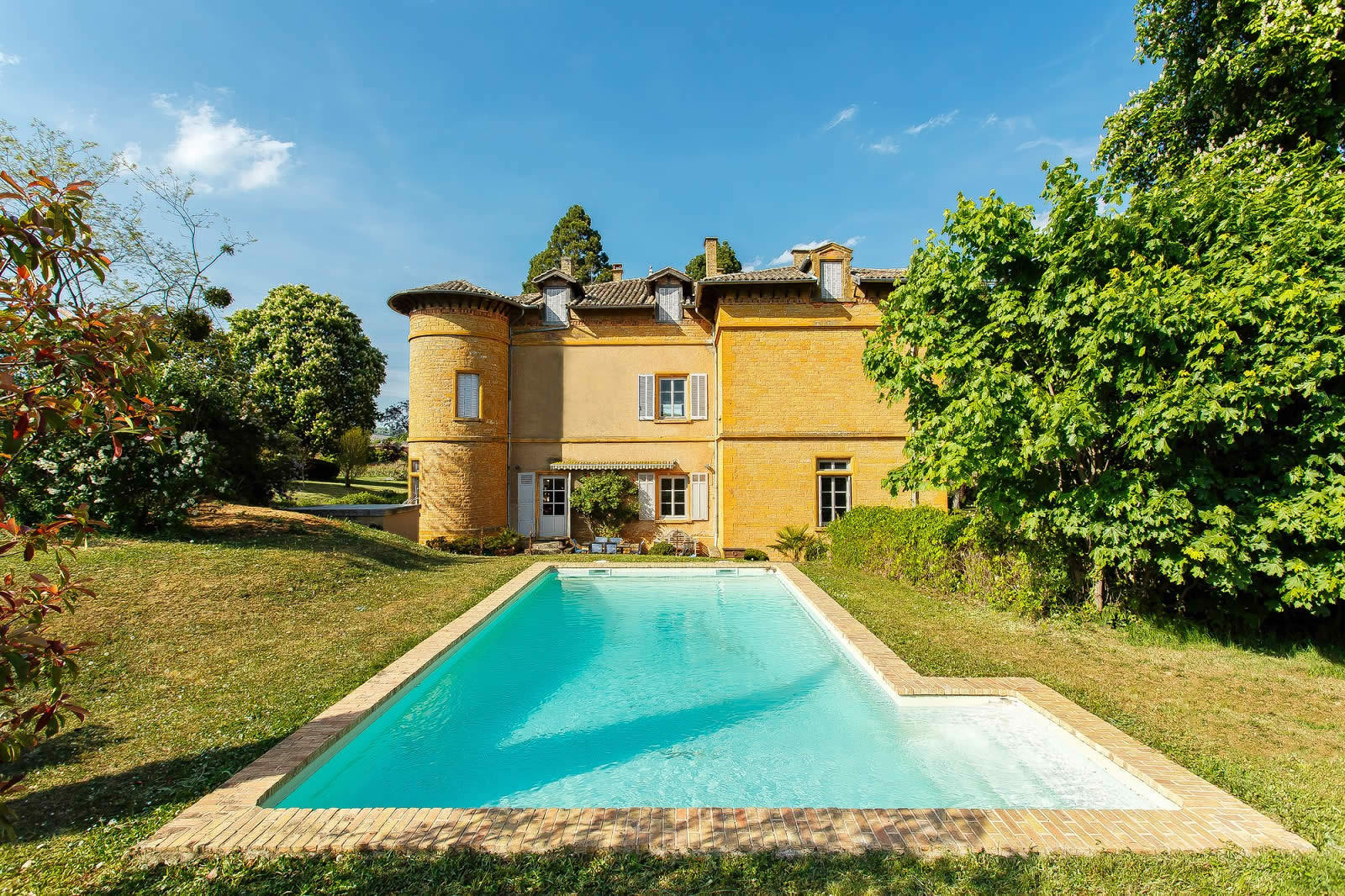 19th century property for sale near villefranche sur sa ne fireplace terrace 8 bedrooms and. Black Bedroom Furniture Sets. Home Design Ideas