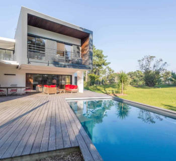 contemporary-villa-terrace-pool-rent-vacation-anglet