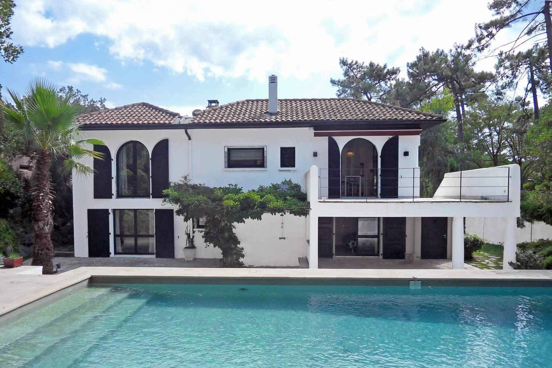 villa vendre anglet c te basque 5 chambres 2 salles de bains 1 salle d eau piscine. Black Bedroom Furniture Sets. Home Design Ideas
