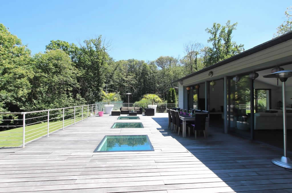 contemporary-villa-for-sale-triel-sur-seine-terrasse-fireplace-pool-cellar-luxurycontemporary-villa-for-sale-triel-sur-seine-terrasse-fireplace-pool-cellar-luxury
