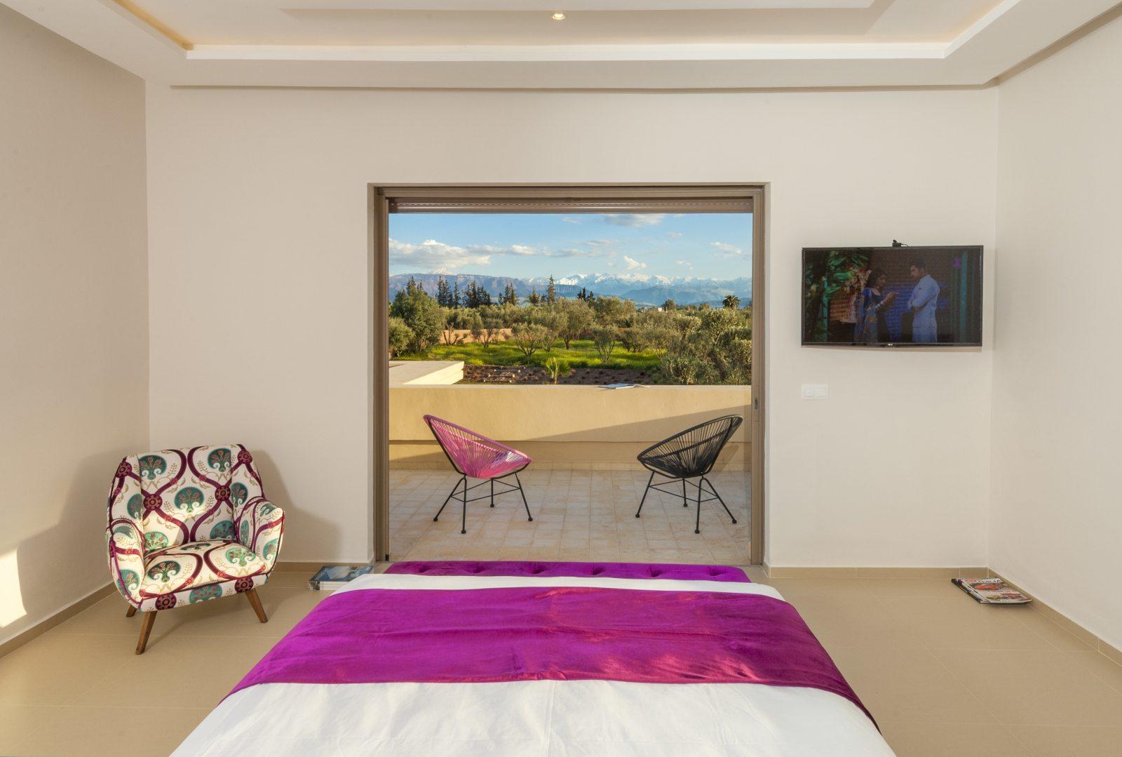 villa-contemporaine-a-vendre-piscine-parc-paysagervilla-contemporaine-a-vendre-piscine-parc-paysager