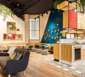 anticafé-cozy-trendy-shared-workspace--