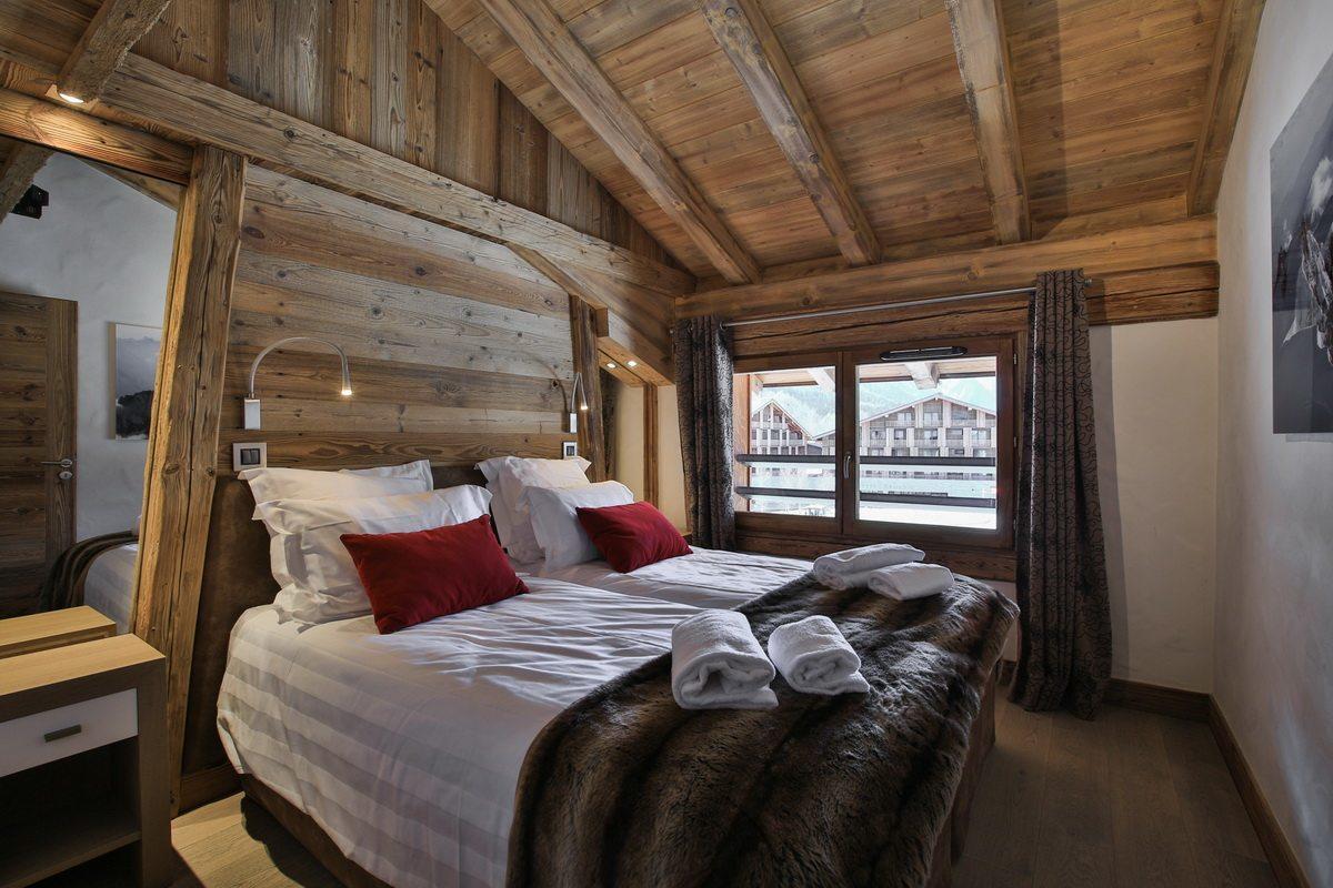 appartement-luxe-renove-a-vendre-residence-mezzanine-garage-balcon-casier