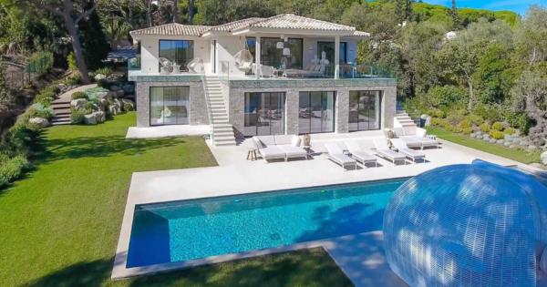 villa-a-louer-ramatuelle-piscine-mer-terrain-paysager-gym