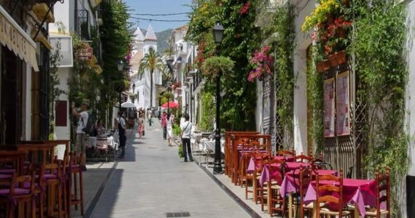 decouvrir-marbella-station-balneaire-chic-plages-paradisiaques..