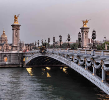 discover-monuments-museums-restaurants