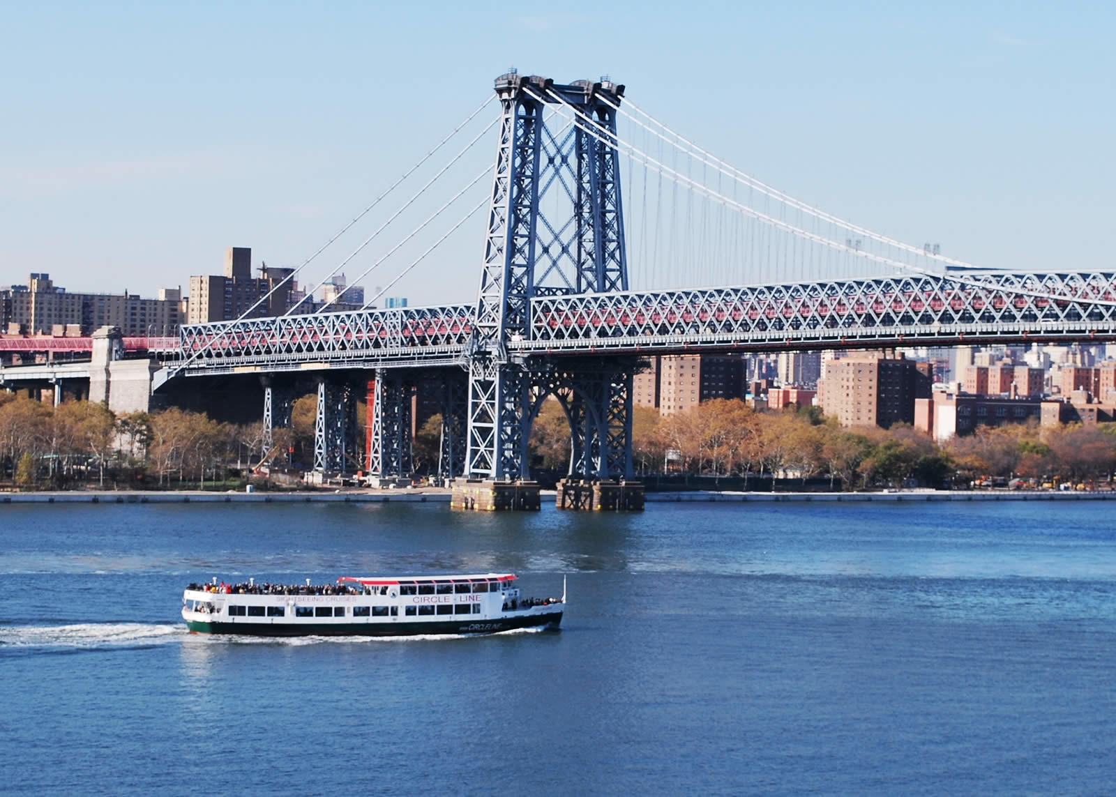 discover-williamsburg-manhattan-artistic-trendy-neighborhood
