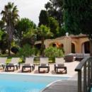 villa-pool-for-rent-ramatuelle-garden-terraces-studio-garages