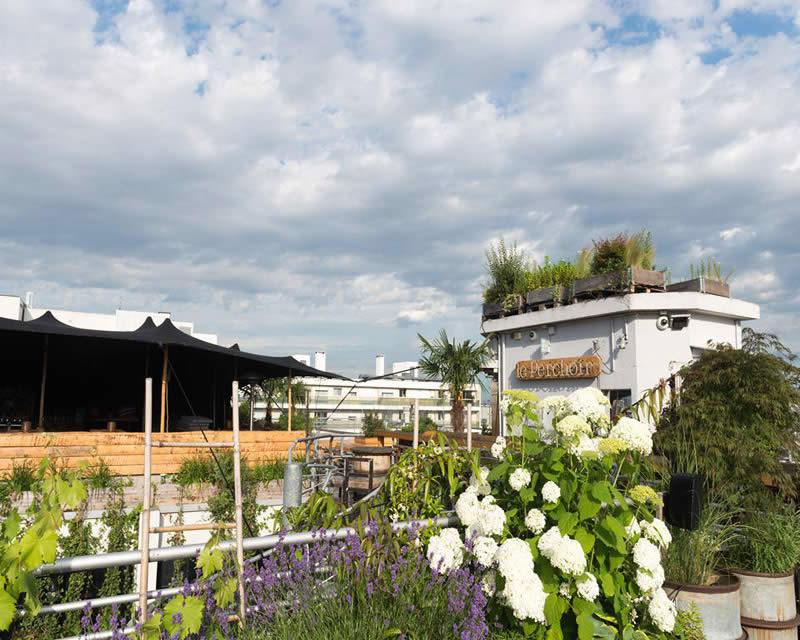 le-perchoir-restaurant-rooftop-boheme-chic: