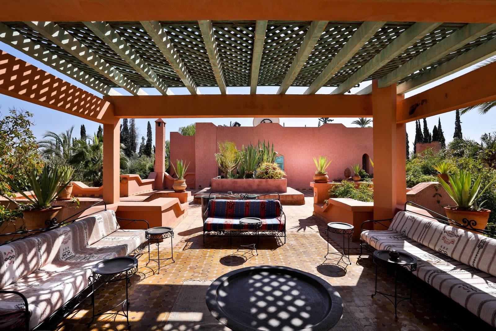 2-luxueuses-villas-a-vendre-piscine-debordement-hammam-salle-massage-solarium-prive