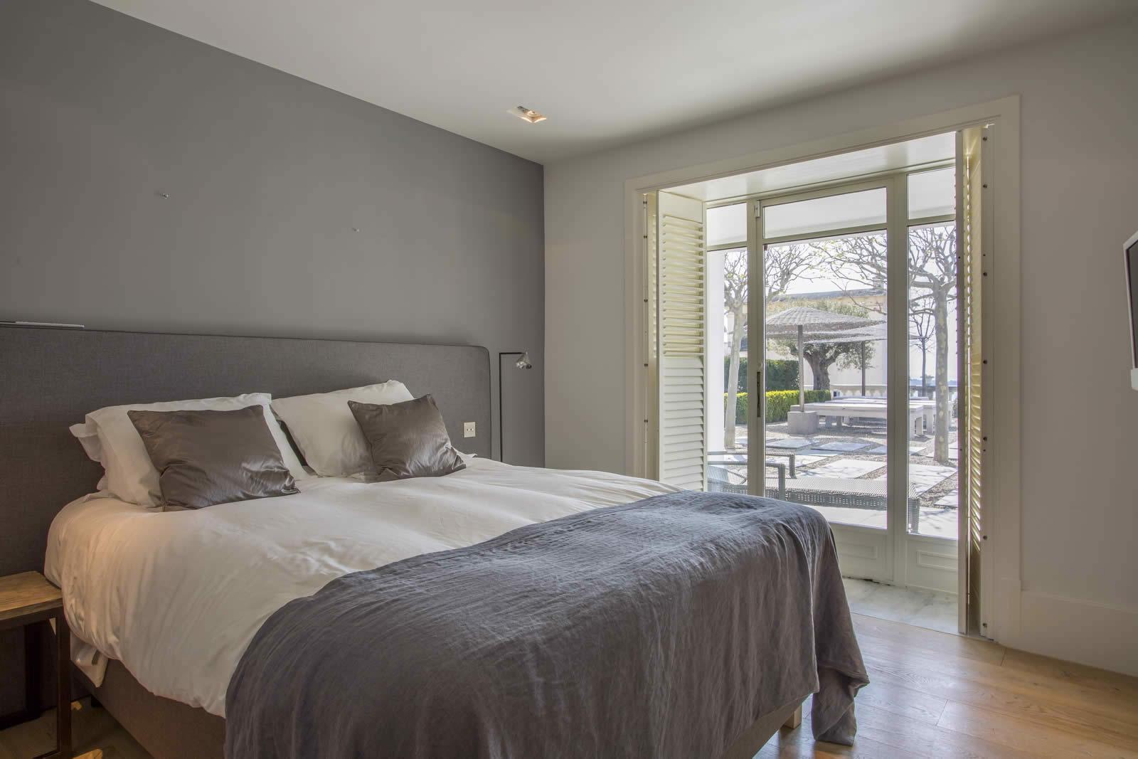 Villa de luxe louer pour vos vacances la californie for Location garage brest le bon coin