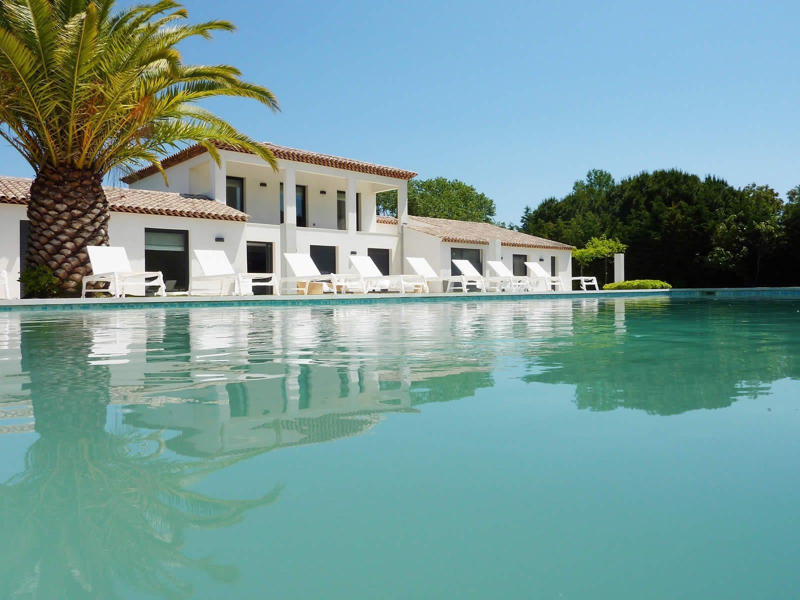 villa-very-chic-prestigious-location