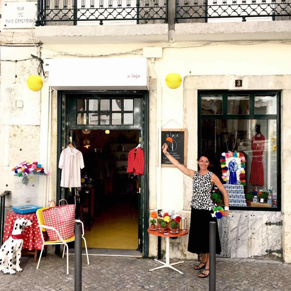a loja shop in lisbon portuguese creations clothing homemade objects. Black Bedroom Furniture Sets. Home Design Ideas