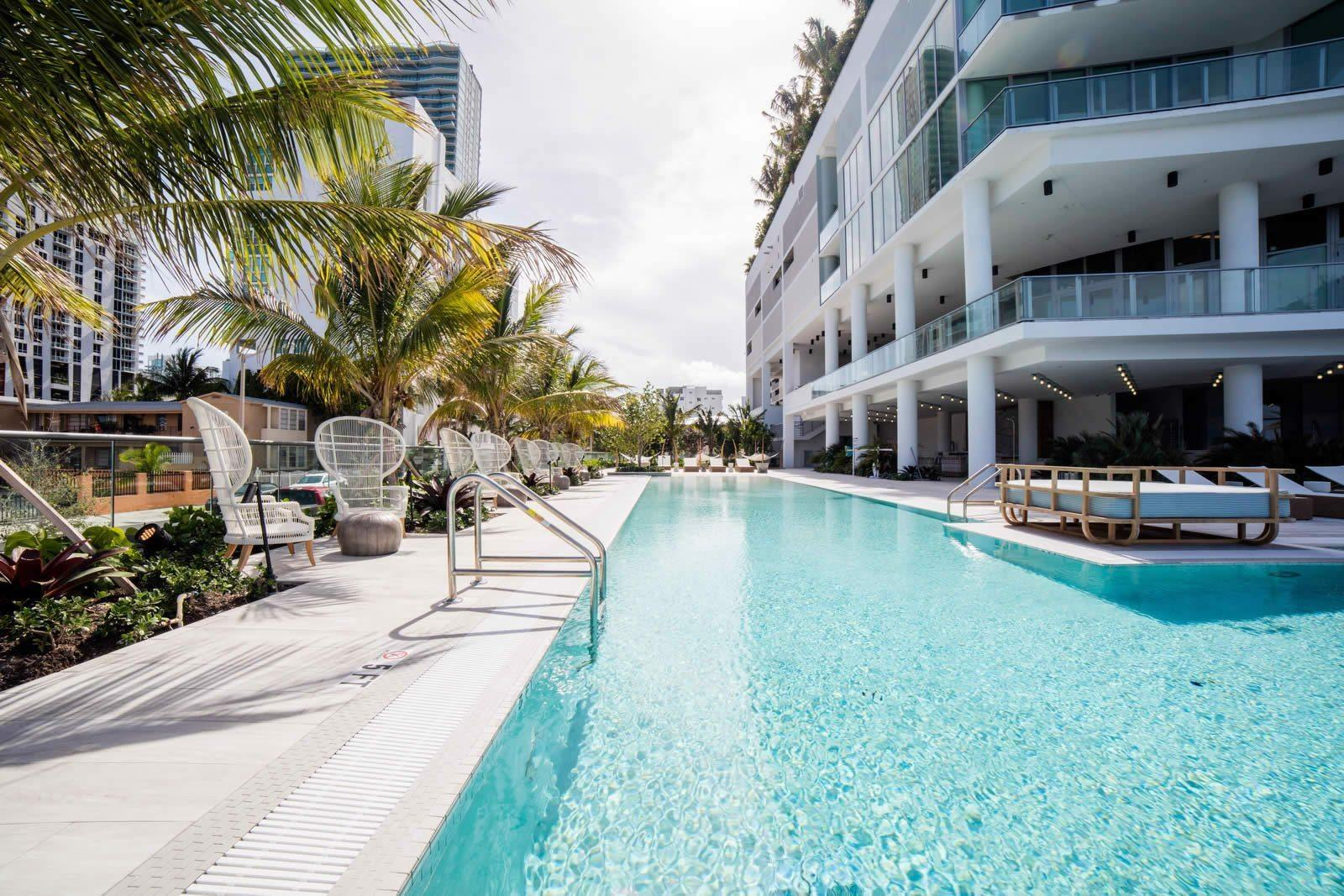 Apartment for sale in edgewater miami upscale building private elevator sea and city views for Swimming pool construction miami