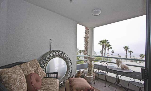 appartement-vue-mer-a-louer-santa-monica-terrasse-piscine-spa-gym-tennis