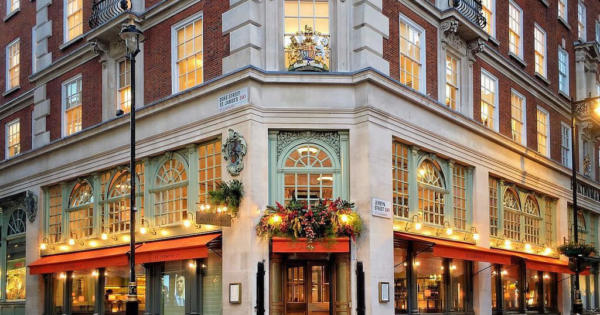 mayfair-neighborhood-real-estate-luxury-restaurants-shopping-hotels