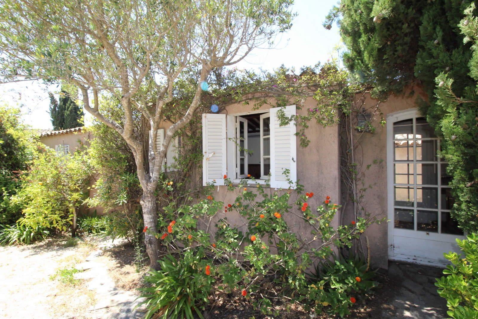 villa-a-vendre-porquerolles-terrasse-jardin