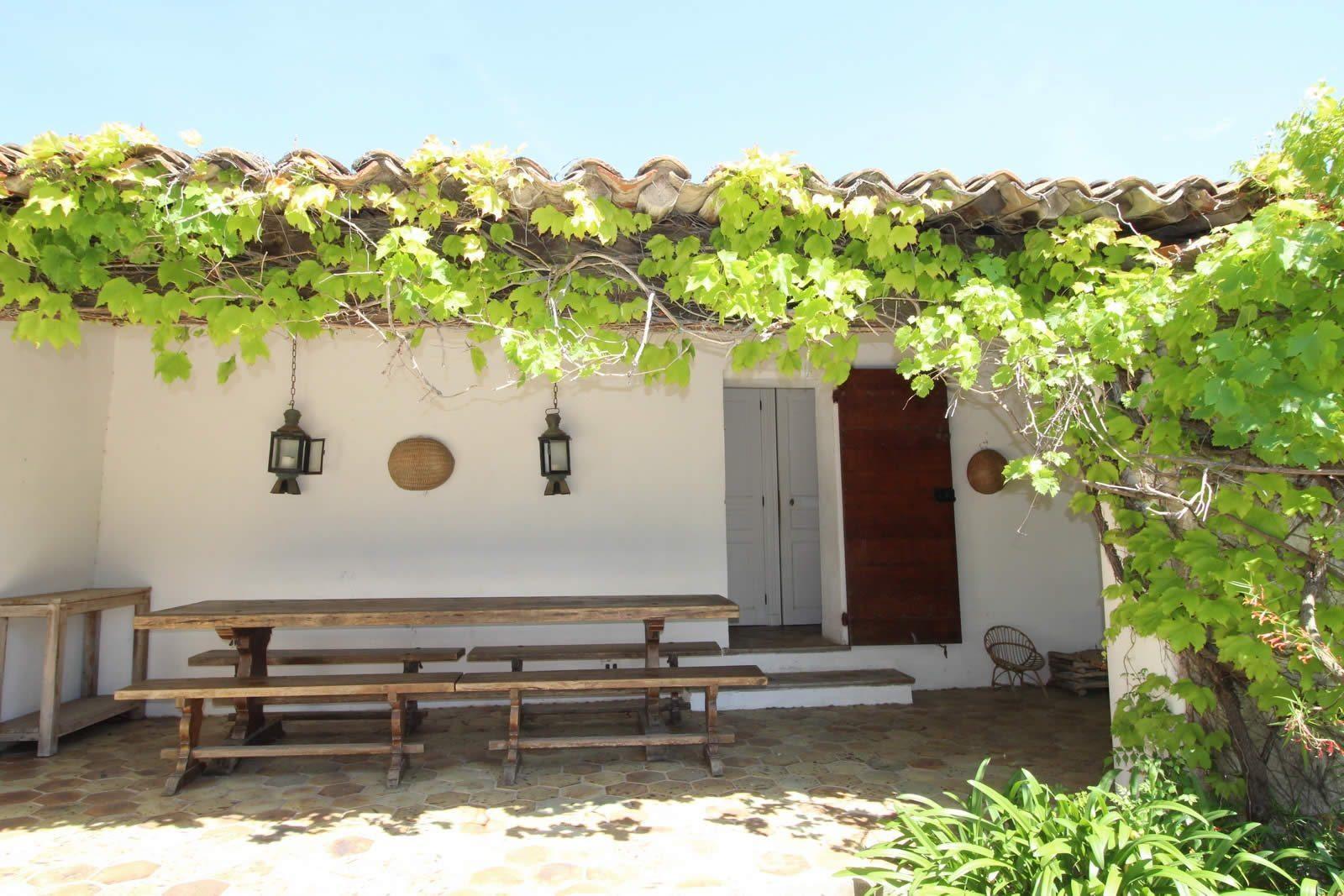 Vente maison porquerolles avie home for Terrasse jardin immobilier