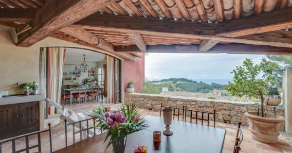 villa-for-sale-saint-cyr-sur-mer-terrace-panoramic-view-sea