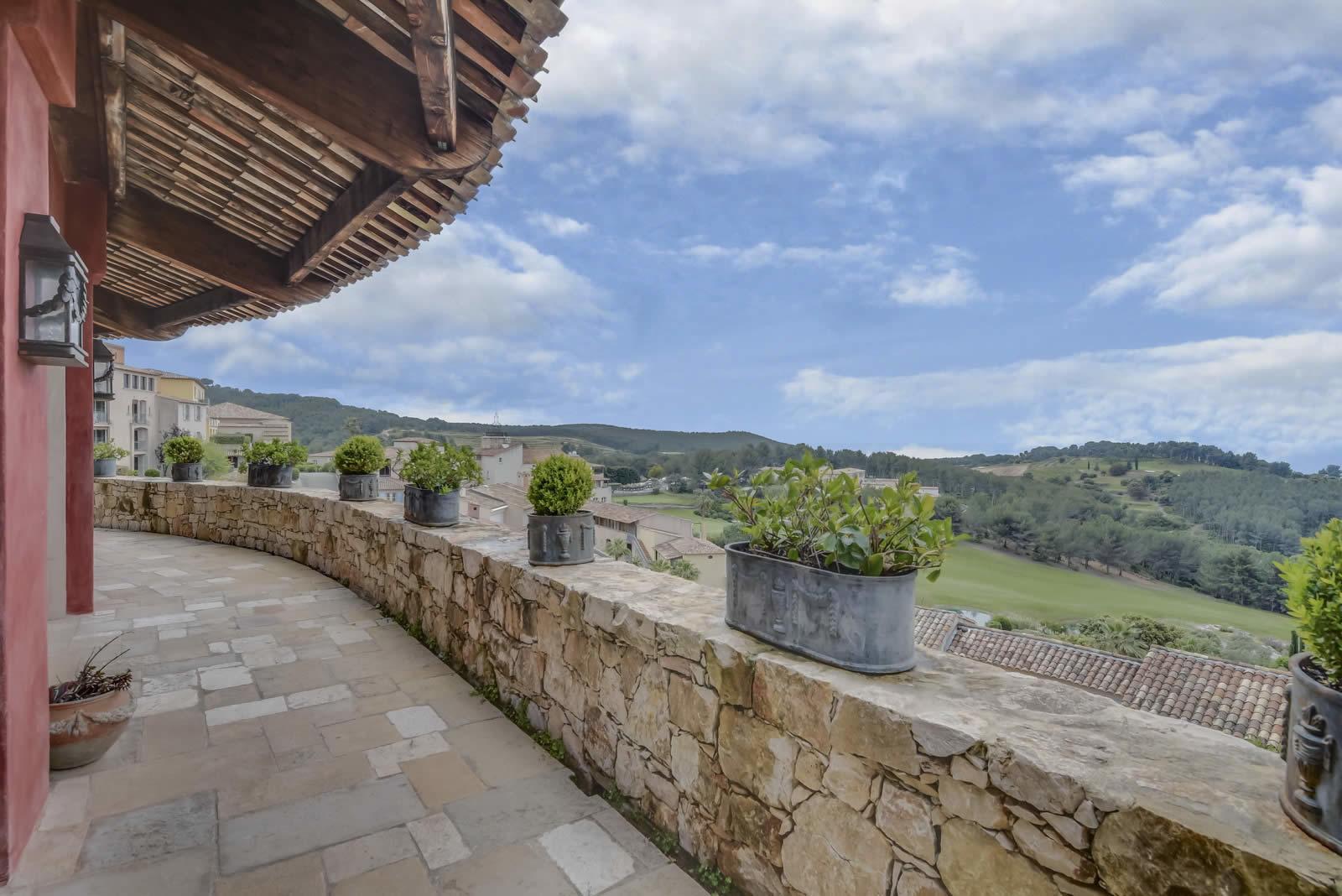 villa-a-vendre-saint-cyr-sur-mer-terrasse-panoramique-vue-mer