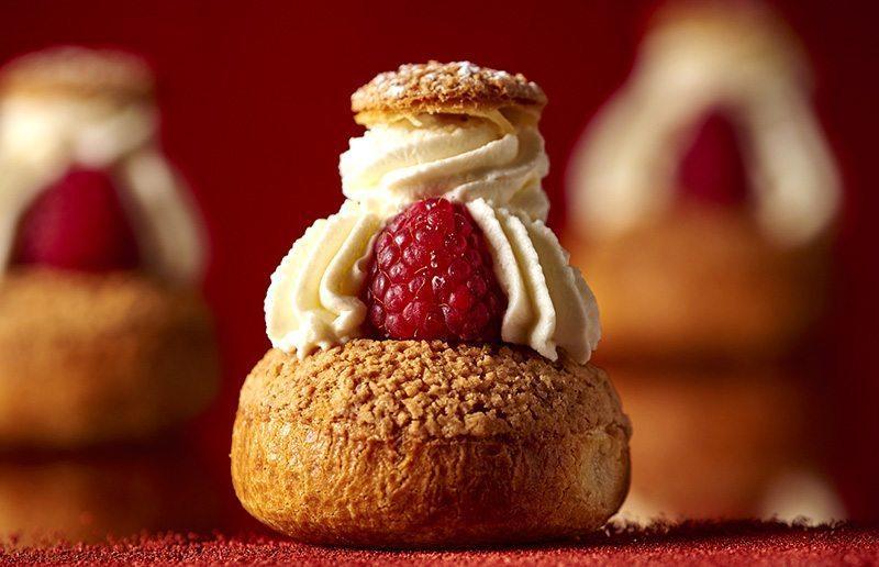 best-patisseries-paris-eat-cream-puffs-