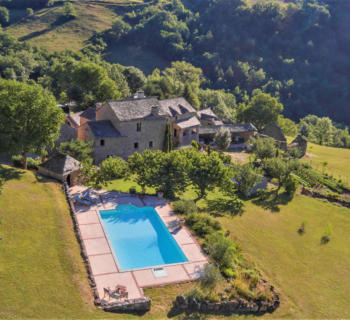 house-for-sale-aveyron-summer-kitchen-dependences-pool
