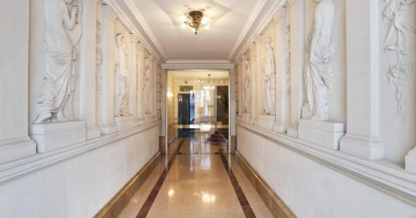 apartment-for-sale-palais-royal-south-facing-landscaped-space-1-cellar