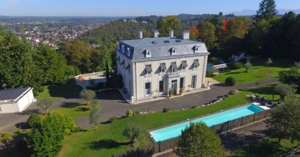extraordinary-property-for-sale-pau-landscaped-parc-countryside-fireplace-garage-cellar