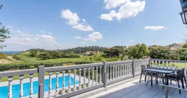 villa-pool-for-sale-saint-jean-de-luz-basque-house-ocean-view