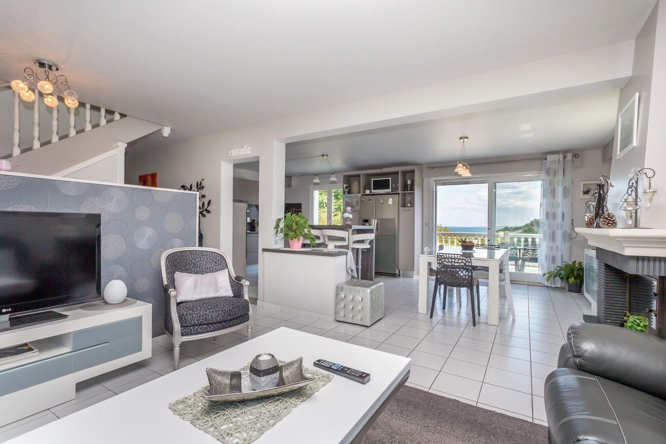 D Villa Residence Room For Rent