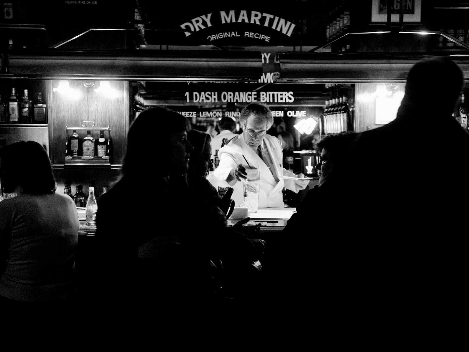 dry-martini-cocktail-bar-restaurant-speakeasy-7
