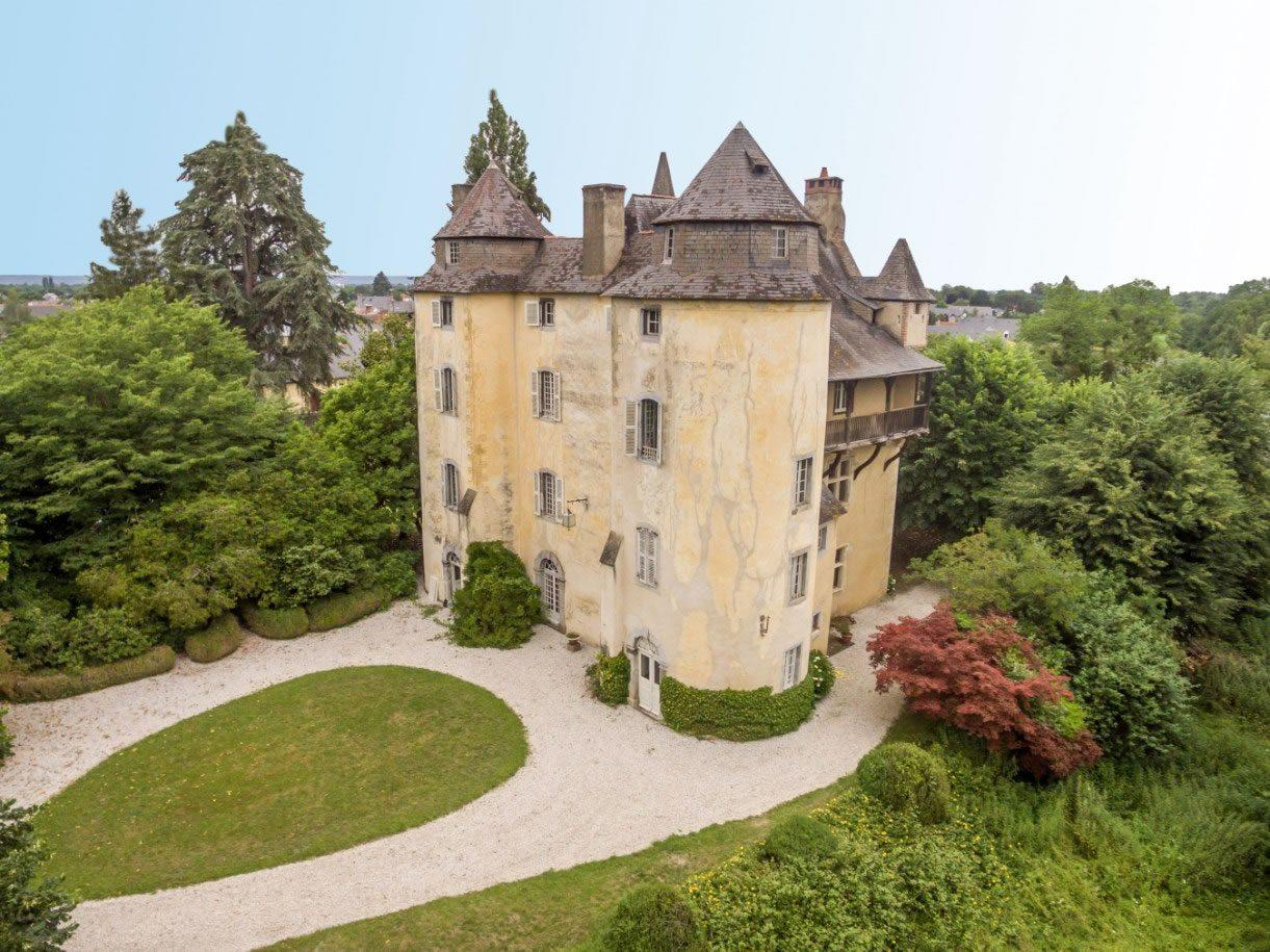 Grant Historical Chateau on 17 Acres of Land For Sale in ...